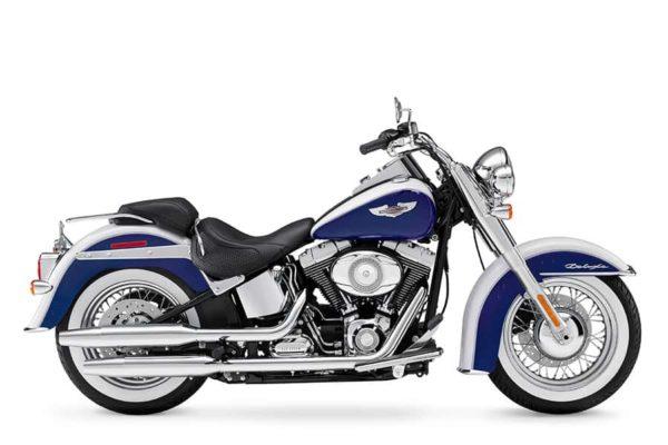 01-Harley-Davidson-SoftailDeluxe-FLSTNa